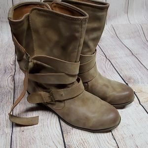 Madden Girl Size 8 Boots